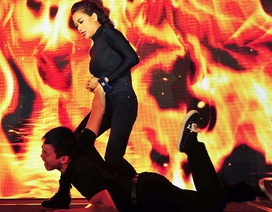 Trương Ngọc Ánh bất ngờ biểu diễn võ thuật ngay trên sân khấu