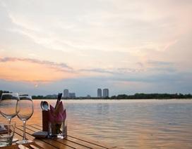 Sài Gòn cuối tuần... Thư giãn cùng cà phê ven sông
