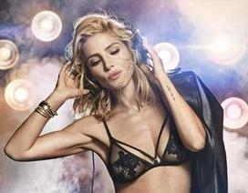 Người đẹp Hollywood bốc lửa khi quảng cáo nội y