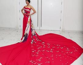 Á hậu Trương Thị May tỏa sáng trên sàn catwalk