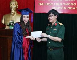 Hồ Quỳnh Hương trở thành giảng viên Đại học