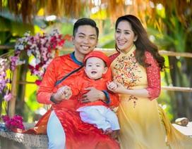Khánh Thi - Phan Hiển du xuân cùng con trai