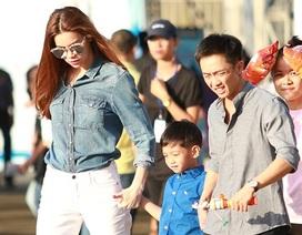 Hồ Ngọc Hà cùng Quốc Cường dẫn con trai Subeo đi xem nhạc kịch