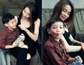 Biểu cảm đáng yêu của Subeo khi xem mẹ tập chương trình