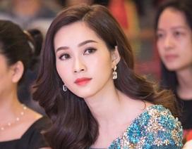 Hoa hậu Thu Thảo rạng rỡ làm đại sứ nụ cười
