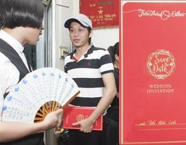 Trấn Thành gửi thiệp mời đám cưới tận tay cho Hoài Linh