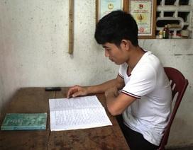 Khâm phục nghị lực cậu học trò nghèo giỏi Văn