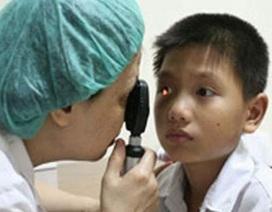 Giải quyết bệnh đau mắt đỏ trong mùa mưa lũ