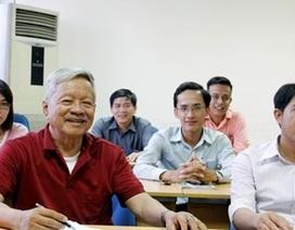 Buổi học thạc sĩ đầu tiên của cụ ông 83 tuổi