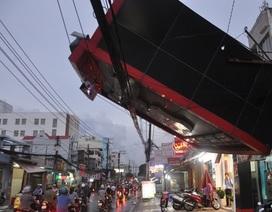 Đường phố Sài Gòn tan hoang sau trận mưa giông