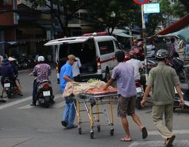 Người đàn ông bán vé số gục chết bên đường