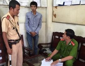 Cảnh sát giao thông hỗ trợ bắt con nghiện cướp giật điện thoại