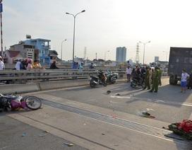 """""""Hung thần"""" container cán chết 2 công nhân trên cầu Phú Mỹ"""