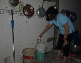 Hàng ngàn hộ dân khốn đốn vì bị cúp nước nhiều ngày liền