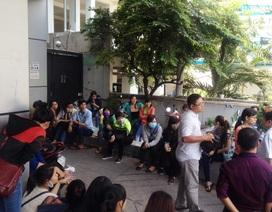 TP.HCM: Hàng trăm nhân viên vây trụ sở công ty để đòi lương