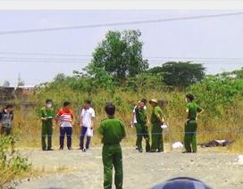 Người đàn ông chết trong khu đất trống cạnh chiếc ba lô