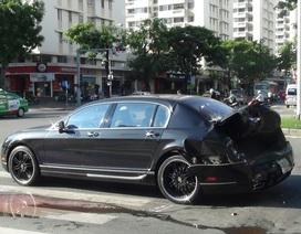 Xe Bentley hơn 10 tỷ bị container húc văng 10 mét trên đại lộ