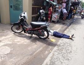 Đang chạy xe máy, người đàn ông ngã lăn ra đường tử vong
