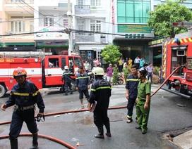 Bình gas trong quán cơm bốc cháy, thực khách bỏ chạy tán loạn