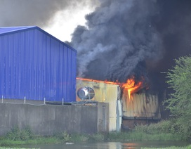 Biển lửa bao trùm xưởng mũ bảo hiểm rộng hơn 1.000 m2