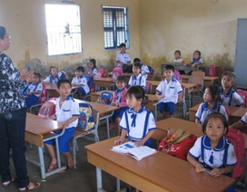 Hỗ trợ học sinh nghèo trước thềm năm học mới