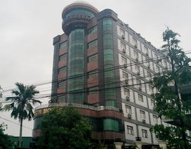 Vụ chủ khách sạn mua dâm trẻ vị thành niên: Người nhà nạn nhân làm đơn bãi nại