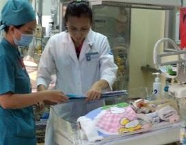 Bộ trưởng Y tế gửi thư khen ê-kíp cứu cháu bé bị đâm thấu sọ