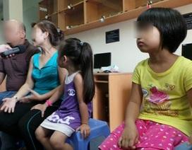 Bé 7 tuổi bị lạm dụng tình dục, kẹt dị vật trong âm đạo