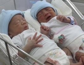 Tâm sự của người mang thai hộ cặp song sinh đầu tiên