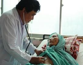 Cứu sống cụ bà 90 tuổi bị xuất huyết tiêu hóa ồ ạt