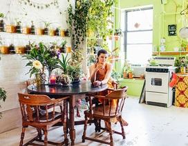 """Cô gái trẻ biến căn hộ thành """"khu rừng nhỏ"""" trong nhà"""