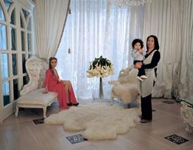 """Cuộc sống giới nhà giàu Nga qua bộ ảnh """"Người chủ và đầy tớ"""""""