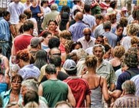 """Khoảnh khắc thế giới đông đúc khiến người ta """"ngạt thở"""""""