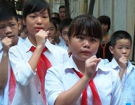 Lễ khai giảng đặc biệt ở ngôi trường hát Quốc ca bằng tay