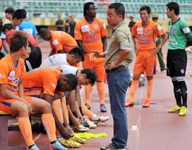"""Những trận đấu """"lạ"""" ở V-League và sự mất niềm tin từ khán giả"""