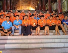 HLV Hoàng Anh Tuấn ngại nhất trọng tài trước cuộc đấu với Myanmar