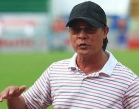 """HLV Nguyễn Thành Vinh: """"Hãy cho Hữu Thắng những đặc quyền như HLV ngoại!"""""""