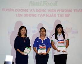 Công ty NUTIFOOD thưởng 3000 USD cho cô trò Phương Trâm trước khi đi Mỹ
