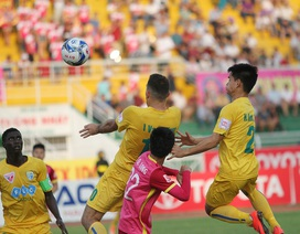 """Thanh Hoá """"lưỡng đầu thọ địch"""" với các đội bóng nhà bầu Hiển tại V-League"""