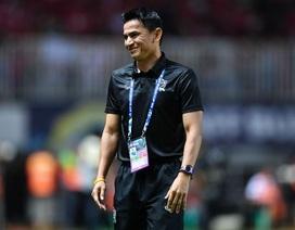 """HLV Kiatisuk: """"Thái Lan bị dẫn trước giúp trận chung kết lượt về hấp dẫn hơn"""""""