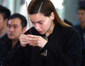 Hồ Ngọc Hà lặng lẽ đến tham dự lễ tang nhạc sĩ Lương Minh