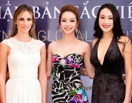 Hoa hậu Bản sắc Việt toàn cầu nhận giải thưởng 2 tỷ đồng