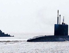 Tàu ngầm Kilo 185 - Khánh Hòa đang về Cam Ranh
