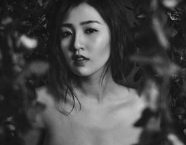 Á hậu Dương Tú Anh quyến rũ với ảnh đen trắng