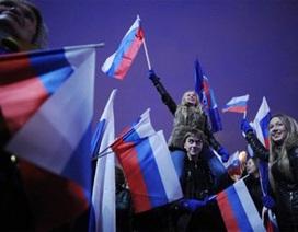 Chọn mặt gửi vàng qua lá phiếu bầu Tổng thống Nga