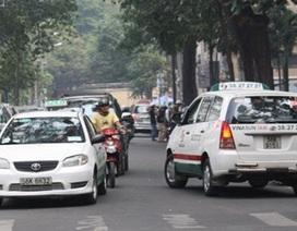 Hà Nội quản lý taxi còn lộn xộn