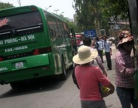 """""""Rối"""" ở nhiều bến xe ở Hà Nội và các tỉnh phía Bắc"""