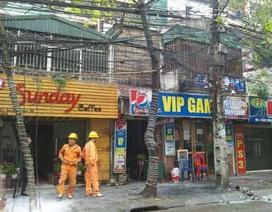 Hà Nội: Cháy cột điện trên phố Đặng Văn Ngữ