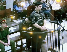 Tòa án hoãn xử, tòa lòng dân vẫn tiếp diễn