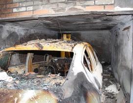 Ô tô phát hỏa trong gara, cả nhà may mắn thoát nạn